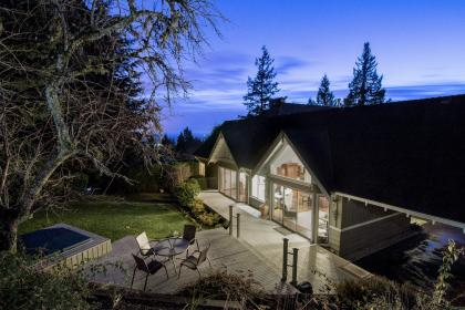at 4660 Willow Creek Road, Caulfeild, West Vancouver