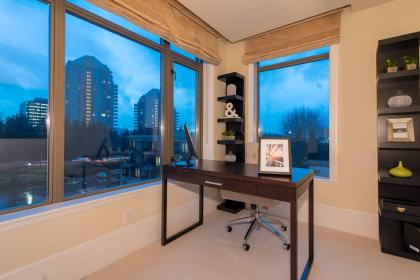 at 401 - 533 Waters Edge Crescent, Park Royal, West Vancouver