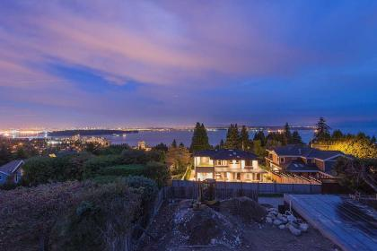 image-262059184-1 at 2580 Rosebery Avenue, Dundarave, West Vancouver